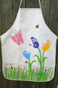 Handprint/Footprint Apron, courtesy of Little Page Turners